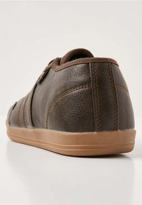 British Knights - SURTO - Trainers - dark brown - 4