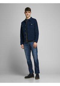 Jack & Jones - CLARK PAGE - Straight leg jeans - blue denim - 1