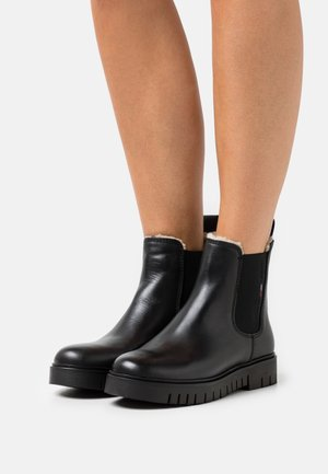 WARMLINED CHELSEA BOOT - Winter boots - black