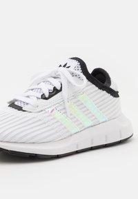 adidas Originals - SWIFT RUN X C UNISEX - Trainers - footwear white/core black - 5