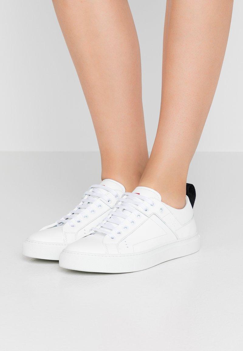 HUGO - MAYFAIR DETLOW CUT - Sneaker low - white