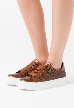 LACE UP - Trainers - cognac