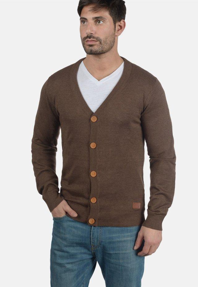 LENNARD - Strikjakke /Cardigans - brown