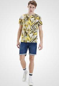 Blend - Print T-shirt - martini olive - 1