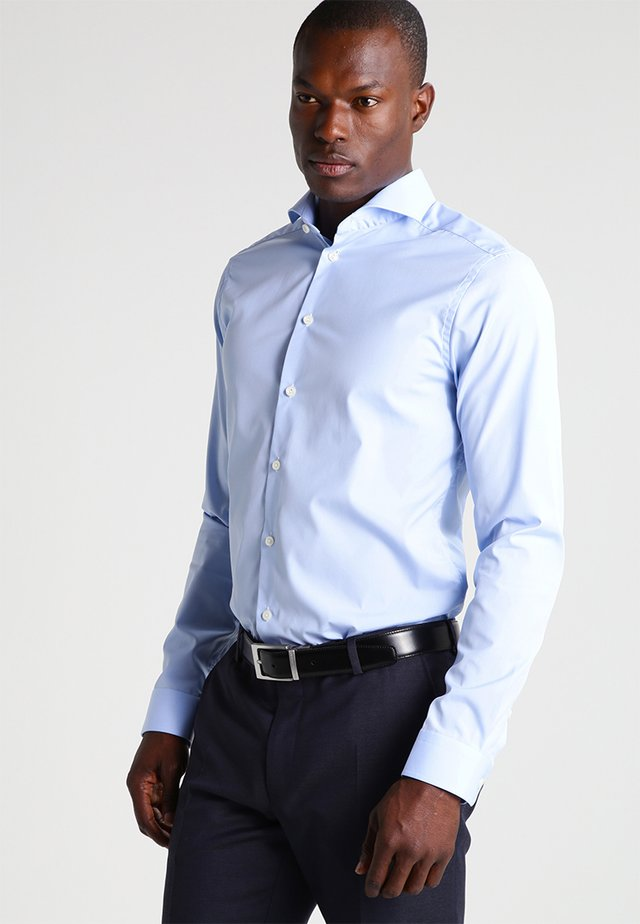 SUPER SLIM FIT - Camisa elegante - light blue