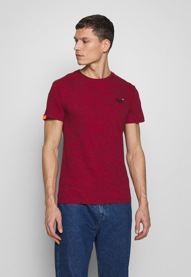 Basic T-shirt - desert red grit