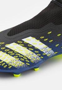 adidas Performance - PREDATOR FREAK .3 FG - Tekonurmikengät - core black/footwear white/solar yellow - 5