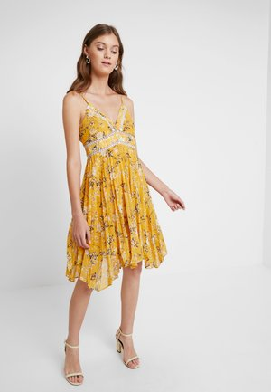 FLORAL DRESS - Cocktail dress / Party dress - yellow