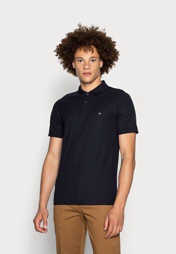 REFINED CHEST LOGO - Polo shirt - sky captain
