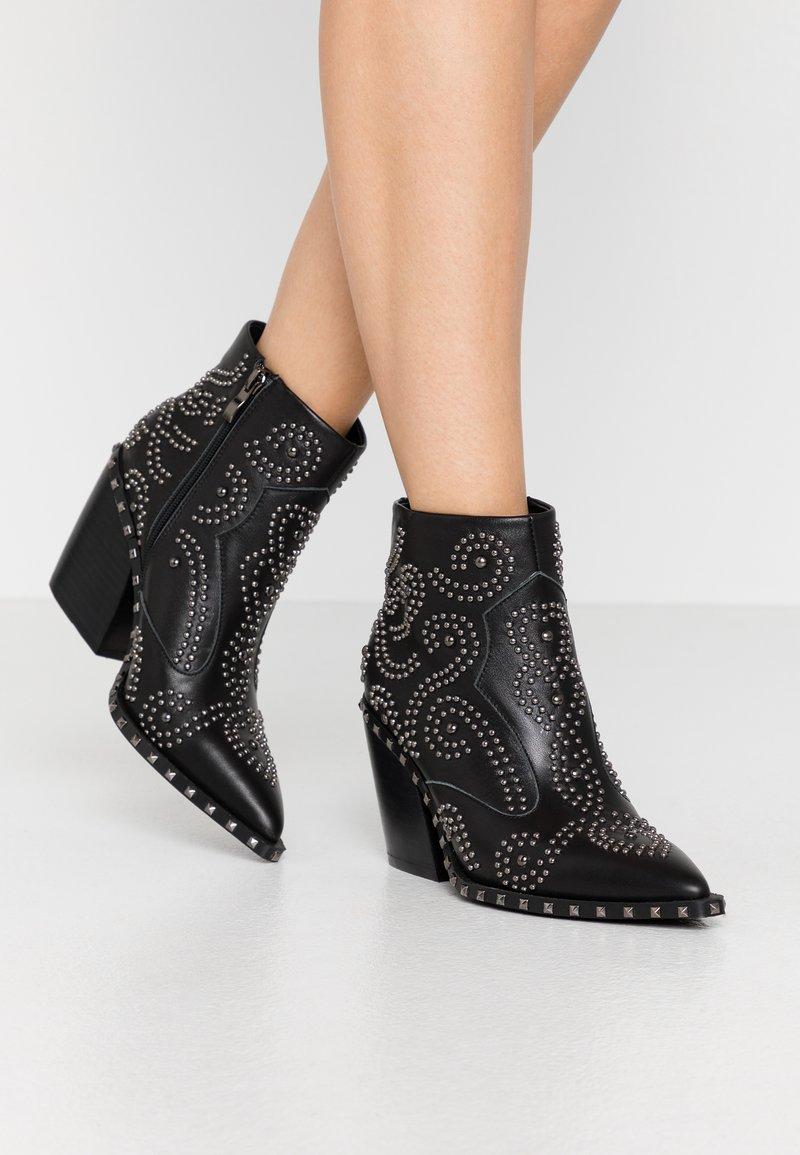 Alma en Pena - Ankle boots - black
