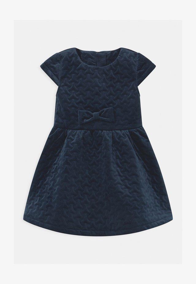 NMFROGILLE  - Sukienka koktajlowa - dark sapphire