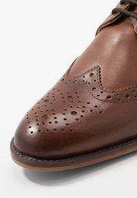 River Island - Elegantní šněrovací boty - dark brown - 5