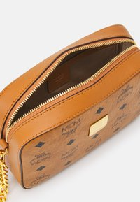 MCM - VISETOS ORIGINAL CROSSBODY MINI - Across body bag - cognac - 3