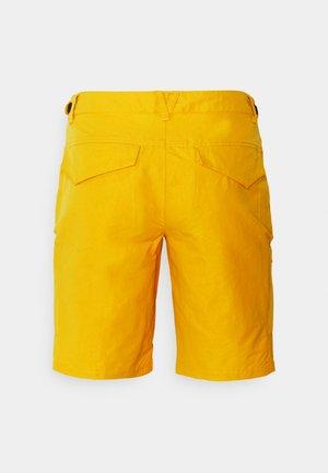 CARLTON - Sports shorts - yellow
