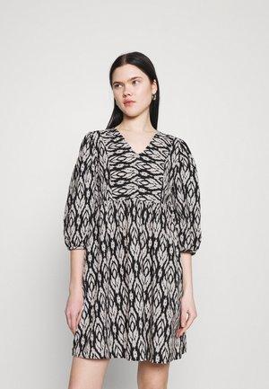 VMDICTHE SHORT DRESS - Day dress - black/snow white