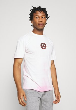 COLOR TECH TEE - Print T-shirt - hot pink