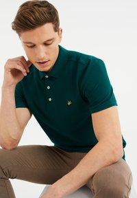 WE Fashion - Poloshirt - dark green - 3