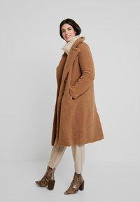 Derhy - GAGNANTE - Classic coat - camel - 1