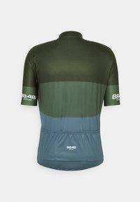 8848 Altitude - SKYLINE BIKE - Print T-shirt - clover - 1