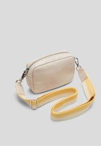 s.Oliver - Across body bag - light grey - 1