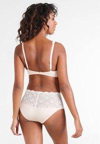 Triumph - AMOURETTE  - Underwired bra - skin - 2