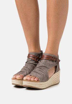 LACEY4EARTH - Ankle cuff sandals - beachshack