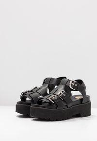 Buffalo - ELMA - Sandály na platformě - black - 4