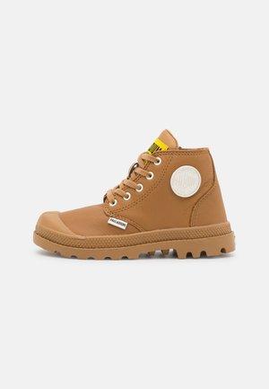 PAMPA MID ZIP - Šněrovací kotníkové boty - dear brown