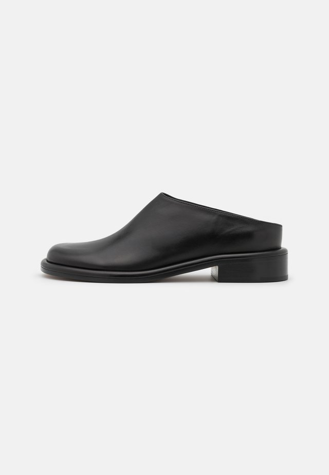 PIPE FLAT MULE - Mules - black