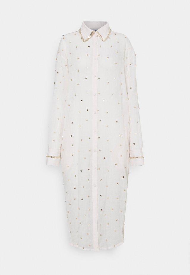 SEREN SHIRT DRESS - Korte jurk - ecru/gold