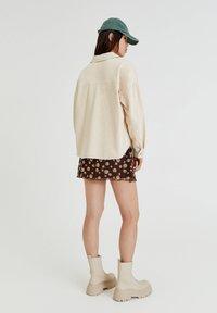 PULL&BEAR - Button-down blouse - mottled beige - 7