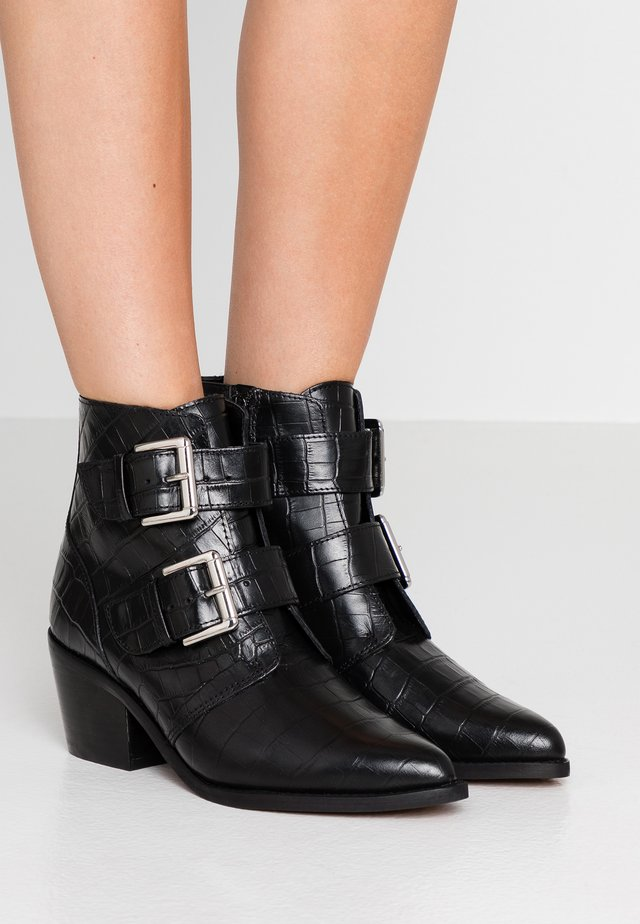 DENNY - Cowboy/biker ankle boot - black