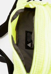 Burton - HIP PACK UNISEX - Sporttasche - limeade - 4