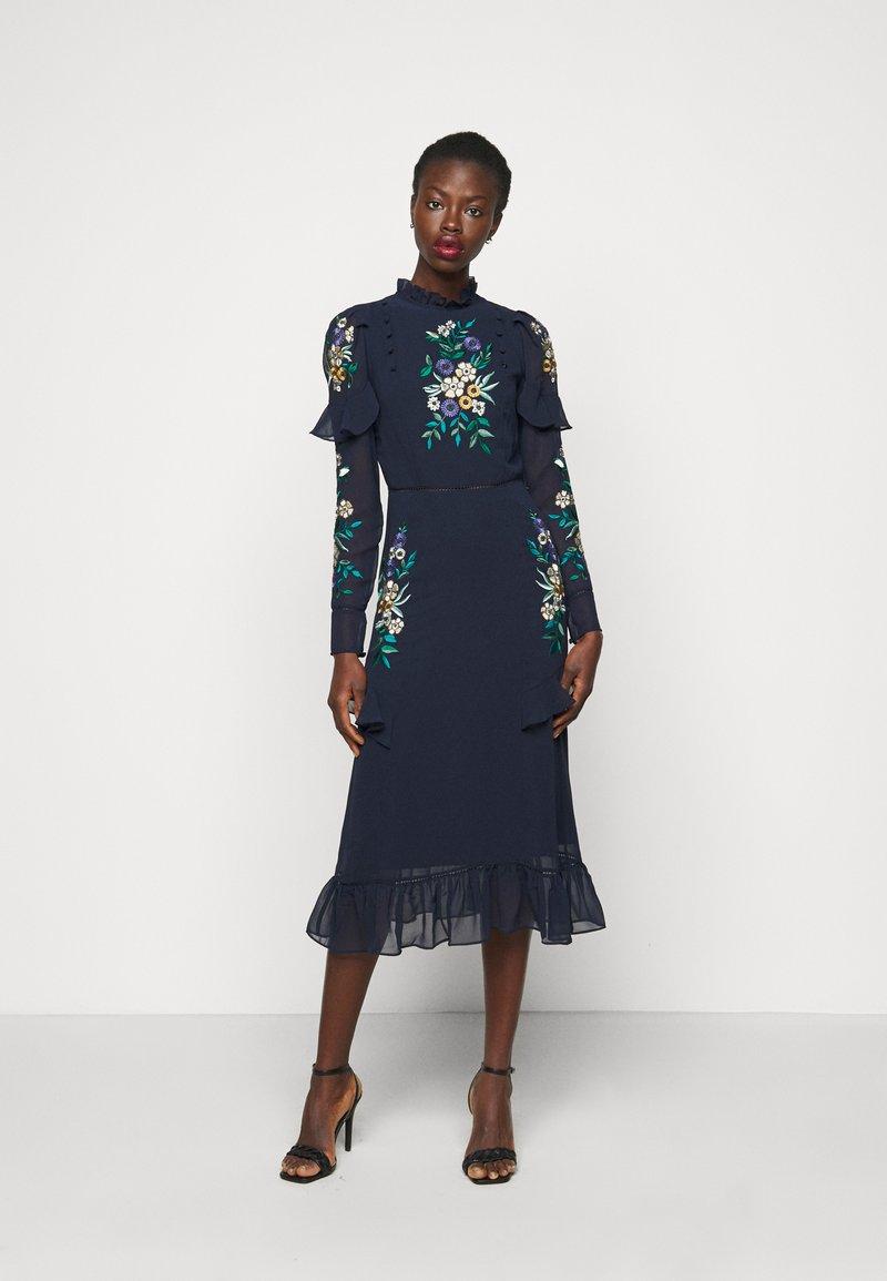 Hope & Ivy Tall - AILWYNN - Sukienka koktajlowa - dark blue
