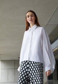 MM6 Maison Margiela - SHIRT - Button-down blouse - white - 2