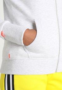 Superdry - LABEL ZIPHOOD - Zip-up sweatshirt - ice marl - 4