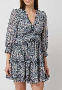 APRICOT - MINI MIT FLORALEM MUSTER - Jersey dress - helltürkis - 1