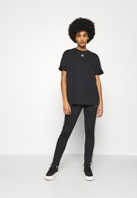 adidas Originals - TEE - T-shirts - black - 1