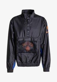 Nike Performance - Veste coupe-vent - black/rush blue/game royal - 4