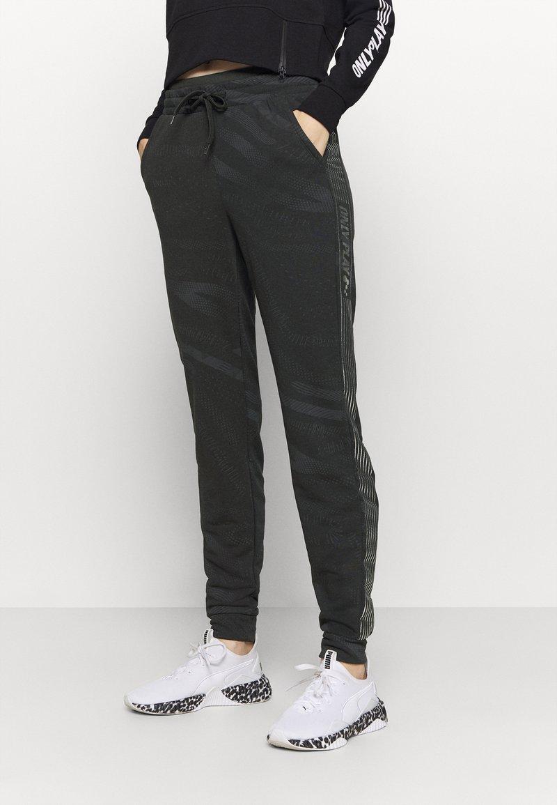ONLY Play - ONPONAY SLIM PANTS - Træningsbukser - black/silver