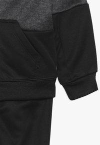 Nike Sportswear - BABY SET - Tracksuit - black/volt - 4