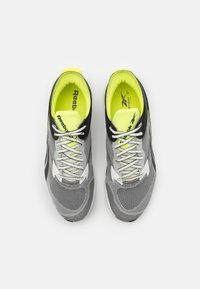 Reebok - FLOATRIDE ENERGY SYMMETROS SHOES - Neutral running shoes - clay white/core black/yellow fluo - 3