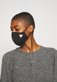 Guess - SINGLE FACEMASK UNISEX - Stoffen mondkapje - jet black - 2