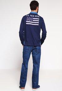 Tommy Hilfiger - MERCER - Straight leg jeans - midle blue - 2