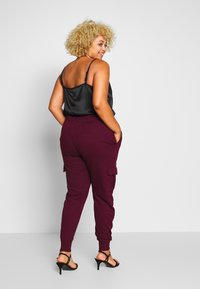 Missguided Plus - UTILITY POCKET HIGH WAISTED - Tracksuit bottoms - wine - 2