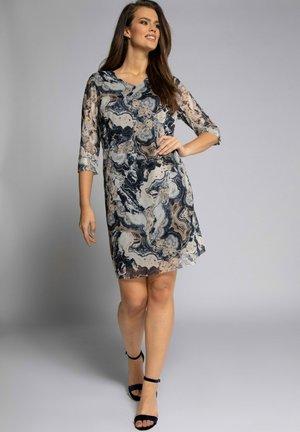 Day dress - macciatobruin