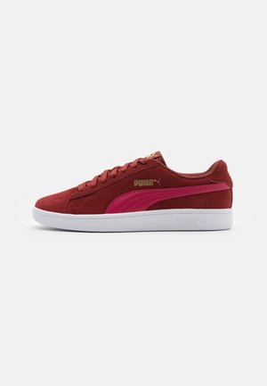 SMASH V2 UNISEX - Trainers - intense red/persian red/team gold