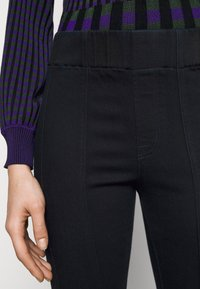 J Brand - DELLAH - Slim fit jeans - magna - 4