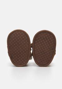 OVS - BOOTS - Babyschoenen - carob brown - 2