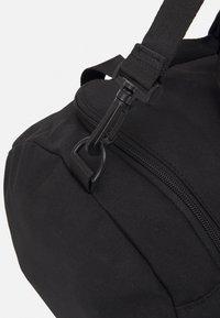 Pier One - UNISEX - Sportovní taška - black - 3